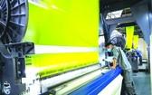 豐富股份總公司高檔棉巾生產設備。