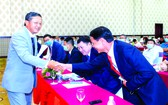 平定省經濟區與各工業區管委會常務副主任潘曰雄(左一)歡迎中資企業到中部投資。