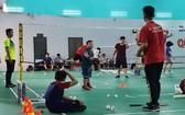 家長選擇沒有身體接觸的體育項目讓孩子參與鍛煉。