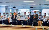 內牌國際機場昨(27)日獲國際機場協會(ACI) 簽發關於機場運營抗疫安全流程確保工作的證書。