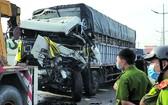 平政縣公安機關昨(18)日已勘查現場並調查在武陳志街發生的卡車與牽引車碰撞,導致1人死亡的事故。