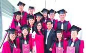 〔本報消息〕市師範大學於昨(8)日舉行碩士、博士班開學暨畢業典禮。
