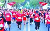 逾 1. 3 萬人參加國際馬拉松賽