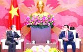 國會主席王廷惠日前在國會大廈會見中國駐越大使熊波。