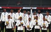 東京奧運會7人制橄欖球男子決賽,斐濟隊27-12擊敗新西蘭隊贏得了金牌。
