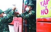 林同省人委會昨(10)日與芳莊集團繼續捐贈本市近300噸蔬菜。
