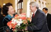 國會主席阮氏金銀與捷眾議院副議長沃伊捷赫·菲利普。(圖片來源:越通社)