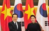 國會主席阮氏金銀會見韓國國會議長丁世均。(圖源:人民軍隊報網)