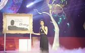 何媚歌手參加《Bolero情歡歌》的電視節目。(圖源:互聯網)