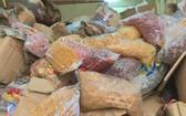 逾1噸各種類由外國生產,但沒有合法貨單、證件的蜜餞、柿餅等被查處。(圖源:互聯網)