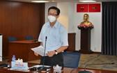 市新冠肺炎疫情防控指委會副主任范德海在會上提供資訊。