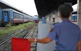 本市迎來放寬社交隔離後首趟列車