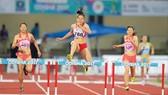 Nguyễn Thị Huyền xếp hạng 50 thế giới cự ly 400m rào nữ.