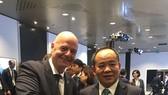 Chủ tịch VFF Lê Khánh Hải cùng Chủ tịch FIFA Gianni Infantino