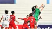 U19 nữ Việt nam không thể gây bất ngờ trước CHDCN Triều Tiên. Ảnh: Đoàn Nhật