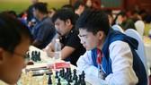 Thiếu vắng ĐKTQT Nguyễn Anh Khội khiến sức mạnh của nội dung cờ tiêu chuẩn của TPHCM sút giảm.