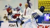 Võ  Trương Thị Kim Tuyền (trái) cùng 2 đồng đội sẽ đi tập huấn tại Kazakhstan chuẩn bị dự vòng loại Olympic 2020.