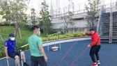 Các VĐV Việt Nam tập luyện sau khi nhập Làng VĐV. Ảnh: T.S