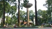 """Hồ Con Rùa thành phố đi bộ, đường Nguyễn Thượng Hiền thành phố """"ăn vặt"""""""