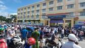 Cần Thơ: Xuất hiện tình trạng tập trung đông người tại điểm thi