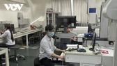 Doanh nghiệp ở TP.HCM thận trọng tái sản xuất