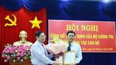 Ông Phạm Minh Chính trao quyết định của Bộ Chính trị chuẩn y ông Nguyễn Tiến Hải giữ chức Bí thư Tỉnh uỷ Cà Mau