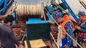 Bắt tàu chở 100.000 lít dầu không có hóa đơn hợp pháp ở Tây Nam Côn Đảo