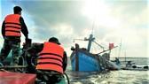 Kịp thời cứu hộ tàu cá bị chìm cùng 7 ngư dân