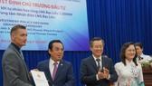 Trao quyết định chủ trương đầu tư cho Nhà đầu tư Dự án Nhà máy điện khí LNG Bạc Liêu vào tháng 1-2020