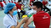 Hơn 2.000 shipper J&T Express đã được tiêm vaccine phòng Covid-19