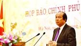 Bộ trưởng, Chủ nhiệm Văn phòng Chính phủ Mai Tiến Dũng phát biểu mở đầu họp báo. Ảnh: VGP