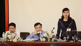 Bà Nguyễn Thị Kim Phụng trả lời tại họp báo