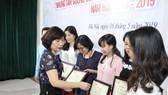 Trao giải cho các tác giả đoạt giải