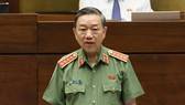 Bộ trưởng Tô Lâm trả lời chất vấn. Ảnh: VGP