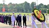 Lãnh đạo Đảng, Nhà nước vào Lăng viếng Chủ tịch Hồ Chí Minh nhân kỷ niệm 75 năm Quốc khánh 2-9. Ảnh: QUANG PHÚC