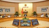 Thủ tướng Nguyễn Xuân Phúc chủ trì cuộc họp của Thường trực Chính phủ về vấn đề lũ lụt ở miền Trung