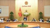 Thủ tướng Nguyễn Xuân Phúc chủ trì phiên họp Chính phủ thường kỳ, chiều 31-3. Ảnh: VIẾT CHUNG