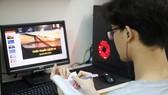 Thời kỳ có dịch, việc học trực tuyến cần được đẩy mạnh. Ảnh: QUANG PHÚC