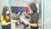 Thí sinh cả nước vừa hoàn thành thi tốt nghiệp THPT 2021, đợt 1. Ảnh: CAO THĂNG