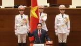 Thủ tướng Chính phủ Phạm Minh Chính tuyên thệ. Ảnh: VIẾT CHUNG