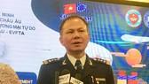 Cục trưởng Cục Hải quan TPHCM Đinh Ngọc Thắng trao đổi với báo chí tại hội nghị