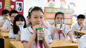 UBND TPHCM đề nghị tiếp tục triển khai chương trình Sữa học đường