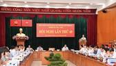 Bí thư Thành ủy TPHCM Nguyễn Thiện Nhân phát biểu tại Hội nghị lần thứ 49 Ban Chấp hành Đảng bộ TPHCM khóa X, sáng 24-9. Ảnh: VIỆT DŨNG