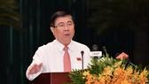 Chủ tịch UBND TPHCM Nguyễn Thành Phong đăng đàn trả lời chất vấn