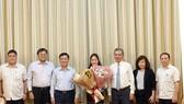 Bà Phan Thị Bình Thuận đến nhận công tác tại Thành ủy TPHCM