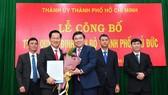 Nguyên lãnh đạo UBND 3 quận bàn giao toàn bộ nhiệm vụ cho Chủ tịch UBND TP Thủ Đức
