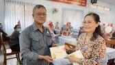 Thường trực HĐND TPHCM tặng 249 phần quà tới Mẹ Việt Nam Anh hùng và người dân huyện Củ Chi