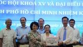 Bàn giao danh sách 224 hồ sơ ứng cử đại biểu Quốc hội, HĐND TPHCM sang Ủy ban MTTQ Việt Nam TPHCM