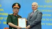 Tổng thống Putin tặng Thượng tướng Nguyễn Chí Vịnh Huân chương Hữu nghị của Liên bang Nga