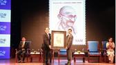 Phát hành bộ tem đặc biệt kỷ niệm 150 năm sinh Mahatma Gandhi